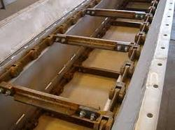 """Modern"" Drag Chain Conveyor with paddles"