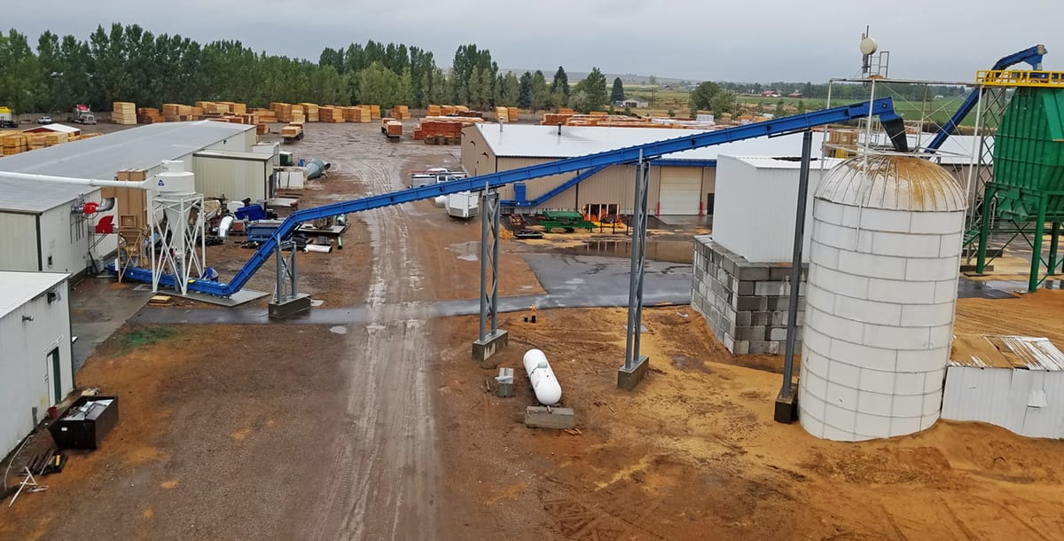 Silo Conveyor at Challenger Pallet & Supply 2019 - drag chain conveyor